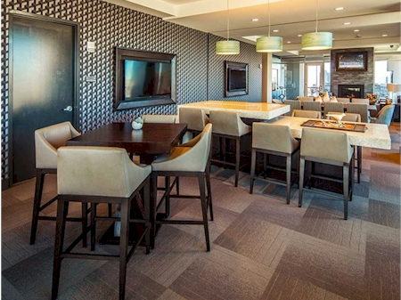 SkyLounge with lounge and dining areas